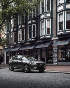 The extremely popular medium-sized crossover - the Volvo XC60!