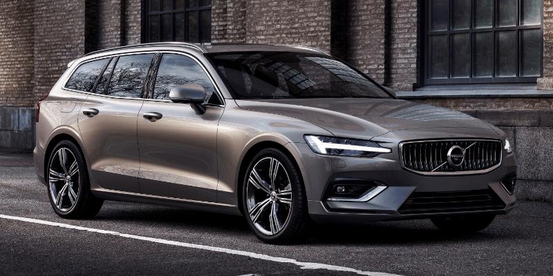 Volvo V60 Momentum Front