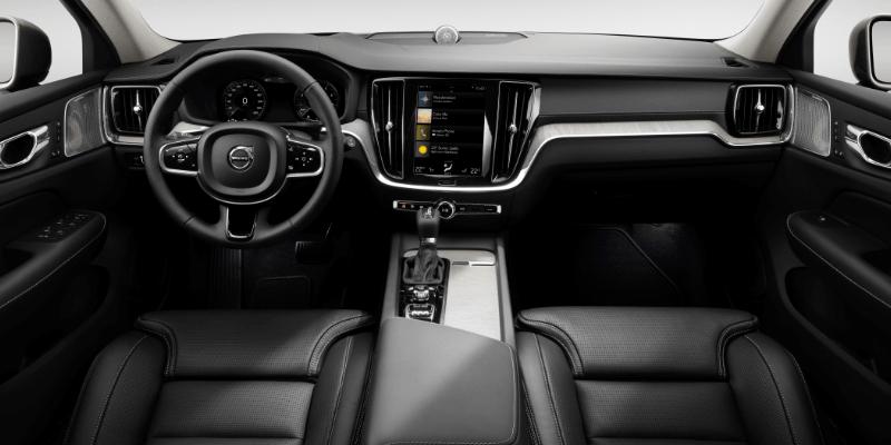 Volvo V60 Momentum Interior