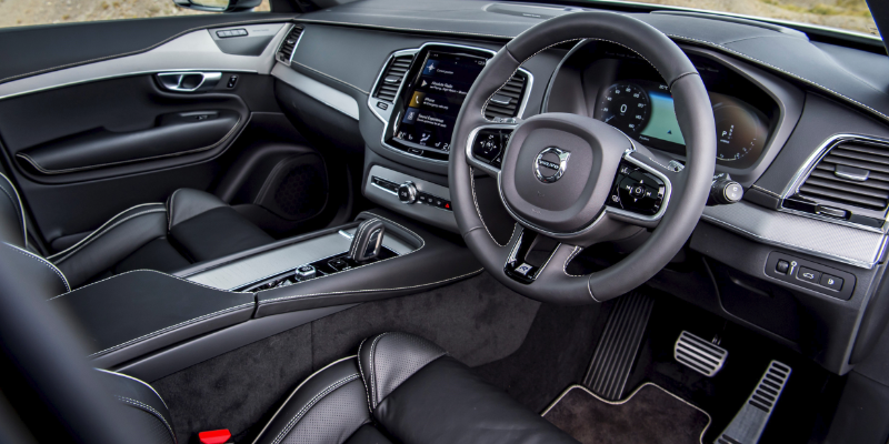 Volvo XC90 R Design Pro Front Interior