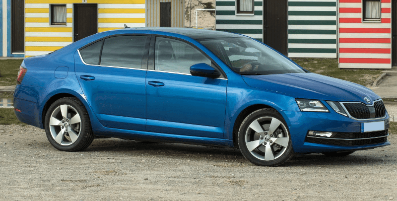 Skoda Octavia - Hatchback - Side-min