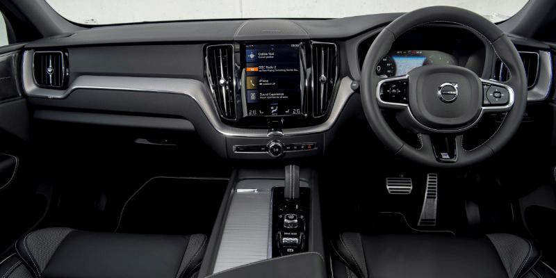 Volvo XC60 Momentum Interior