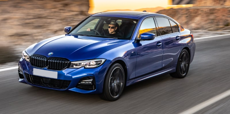 BMW 3 Series Saloon Flexed 12-min