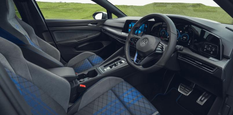 Volkswagen Golf R Flexed 2-min